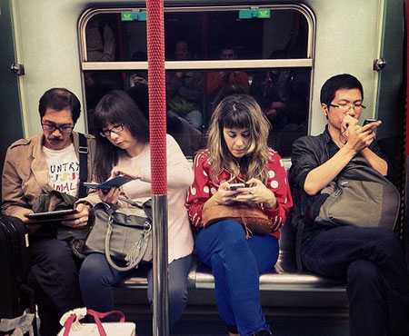 cell phones on subway