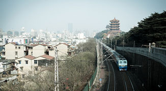 Shopping and Attractions Along Wuhan's Metro Line 2