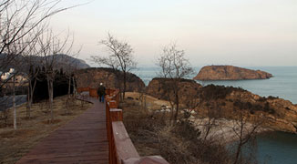 Welcome to China's Longest Boardwalk: Binhai Road in Dalian